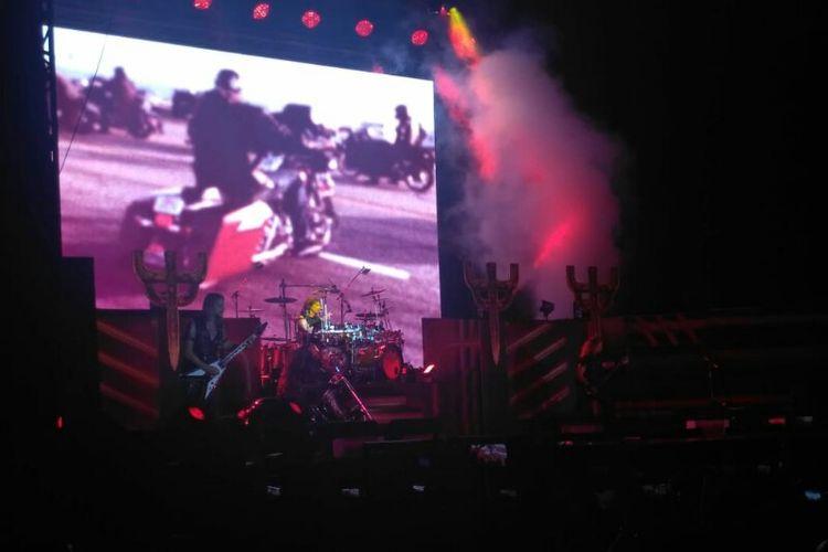 Grup musik Judas Priest menggelar konser perdana di Indonesia di Allianz Eco Park Ancol, Jakarta Utara, Jumat (7/12/2018).
