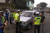 Mobil Dinas Berpelat 'RF' Coba Terobos Ganjil Genap di Tol Cibubur