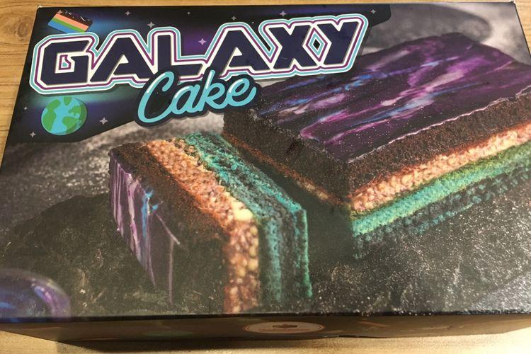 Galaxy cake salah satu varian kue dari Cakekinian di Bekasi, Kamis (28/12/2017).