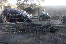 Hati-hati! Banyak Batu dan Jelaga di Jalan Slipi I