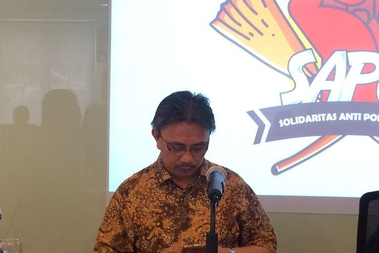 Koordinator Komite Pemilih Indonesia, Jeirry Sumampow di Partai Solidaritas Indonesia, Jakarta, Senin (13/2/2017).