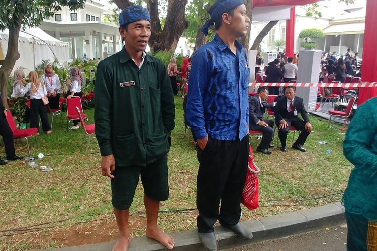 Saija (48), seorang suku Baduy menghadiri upacara HUT RI di Istana tanpa alas kaki, Jumat (17/8/2018).