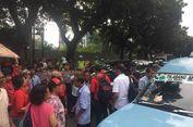 Sopir Angkot Tutup Jalan Kebon Sirih, Arus Lalu Lintas Tersendat 1 Km