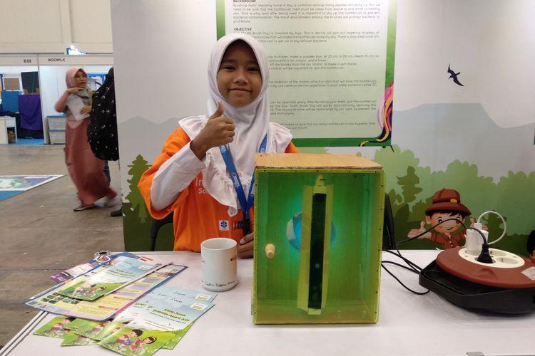 Alya Kusuma Nurjanah, bocah 10 tahun yang menciptakan alat pembersih bakteri pada sikat gigi.