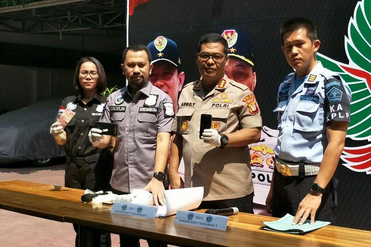 Direktorat Reserse Narkoba Polda Metro Jaya ungkap jaringan pemasok narkoba pada komedian Nunung, Kamis (25/7/2019).