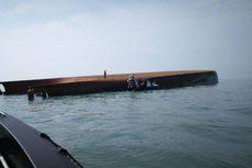 Kapal Pengeruk Pasir Terbalik di Perairan Malaysia, 14 Orang Hilang