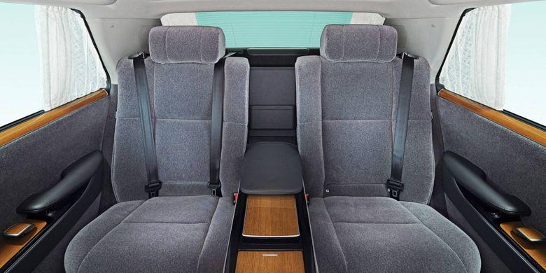 Toyota Century generasi ketiga.
