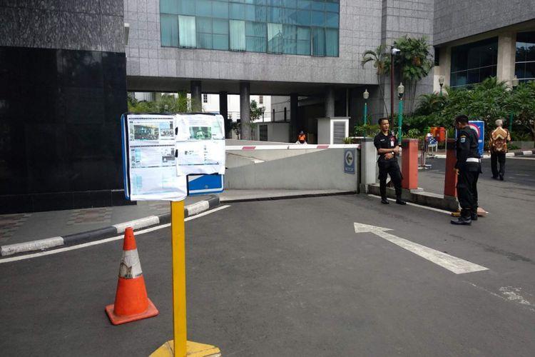 Parkiran basement Gedung DPRD DKI Jakarta, Kamis (16/1/2019).