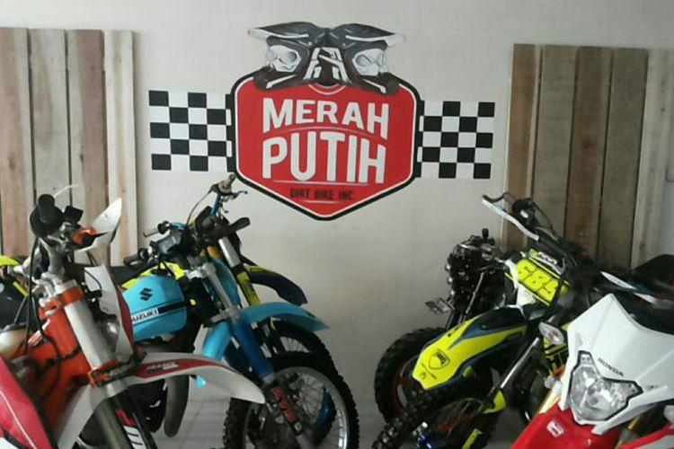 Markas komunitas Merah Putih Dirt Bike di Depok, Rabu (24/1/2018).