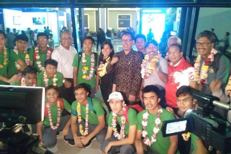 Hal yang sama juga dilontarkan oleh Kapten Tim David Maulana. Dia merasa senang, perjuangan tim tak dilupakan dan tetap mendapatkan sambutan positif dari negara dan para fans di Bandara Soekarno Hatta.