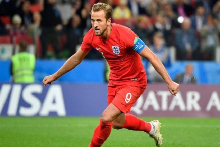 Penyerang Inggris, Harry Kane, merayakan golnya ke gawang Kolombia pada pertandingan babak 16 besar Piala Dunia 2018 di Stadion Spartak, 3 Juli 2018.