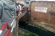 Protes Pencemaran, Warga Tumpahkan 1 Kontainer Limbah Industri Kulit ke Jalan