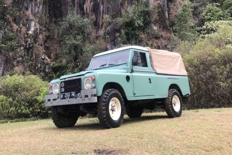 Land Rover Series III V8 yang dipakai pasangan calon presiden dan calon wakil presiden Joko Widodo dan Maruf Amin saat datang ke KPU, Jumat (21/9/2018). Begini bentuknya saat mengadopsi model long kanvas.