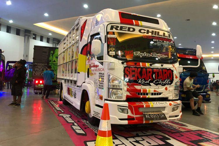 Isuzu ELF NMR 71 ramaikan kontes modifikasi truk pertama yang digelar secara profesional di Yogyakarta.