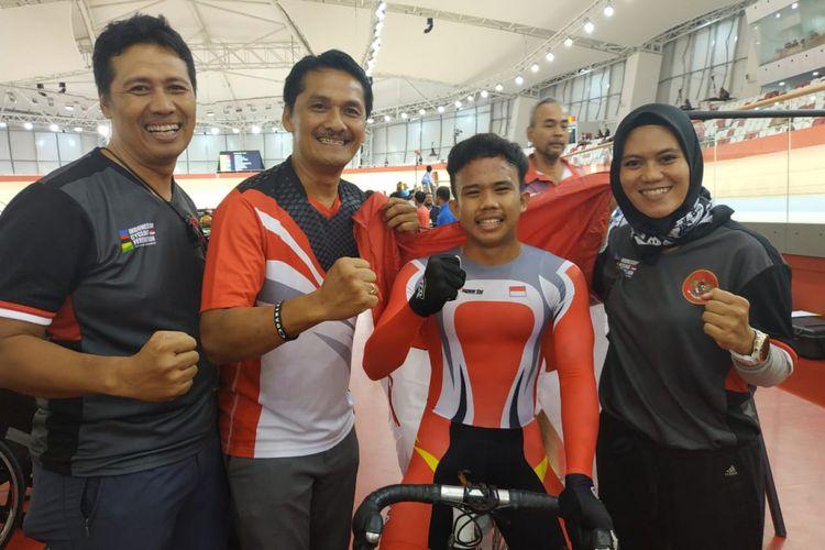 Atlet balap sepeda Indonesia, Angga Dwi Wahyu Prahesta, meraih medali emas Asian Track Championships 2019 nomor scratch race junior putra, di Jakarta International Velodrome, Rawamangun, Kamis (10/1/2019) malam.