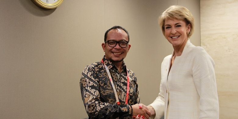 Michaelia saat melakukan pertemuan bilateral dengan Menteri Ketenagakerjaan Hanif Dhakiri.