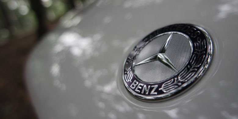 Logo Mercedes-Benz.