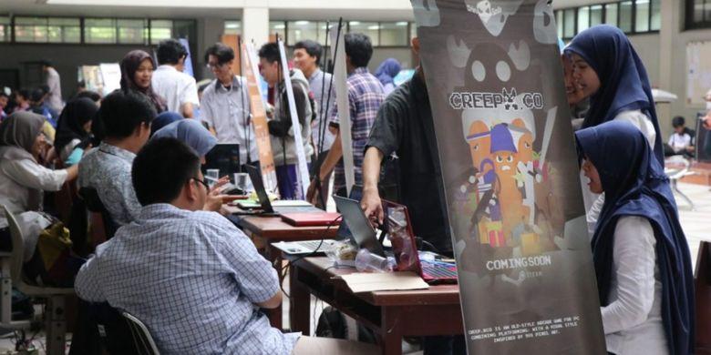 Politeknik Elektronika Negeri Surabaya (PENS) tahun ini kembali menyelenggarakan Software Expo 2019 bertempat di Hall Gedung D4 (8/1/2019) dan diikuti 40 tim berasal dari Program Studi Teknik Informatika dan Program studi Teknik Komputer.