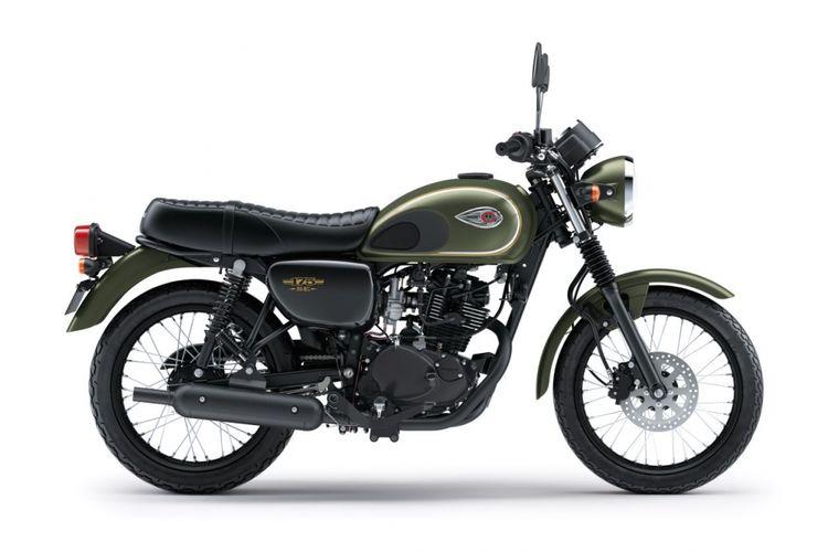 Kawasaki W175 warna hijau.