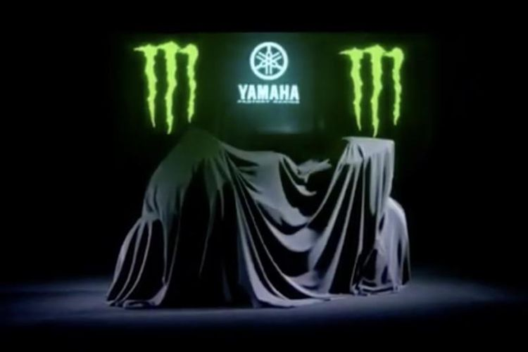 Peluncuran motor Yamaha dengan corak baru dijadwalkan berlangsung di Jakarta pada 4 Februari 2019. Tampak motor balap baru Yamaha MotoGP yang masih diselubungi penutup.