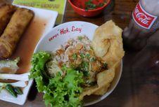 Mencicipi Depot Hok Lay Malang, Kuliner Sejak 1946