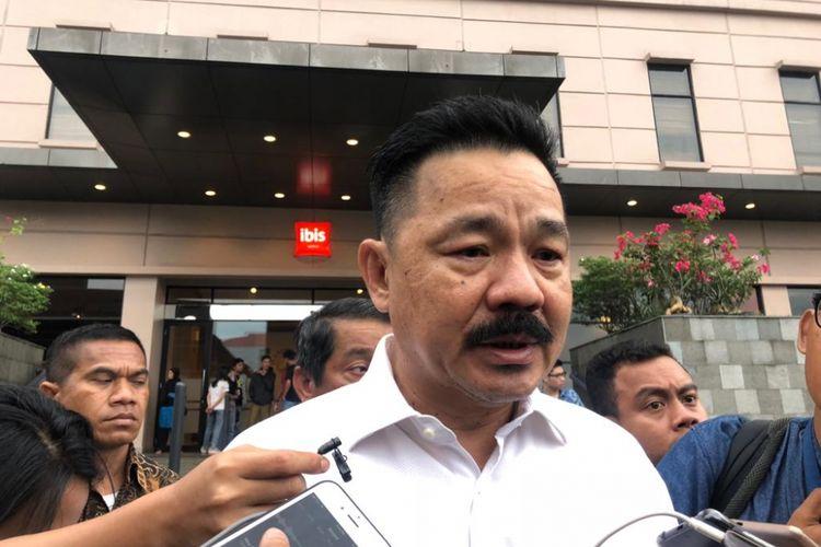Pendiri maskapai penerbangan Lion Air, Rusdi Kirana, usai menemui korban pesawat jatuh di Hotel Ibis Cawang, Selasa (30/10/2018).