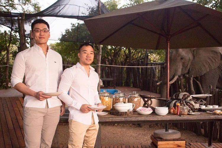 Li Huanwu, cucu laki-laki Bapak Bangsa serta Pendiri Singapura Lee Kuan Yew menikah dengan pasangan sesama jenis Heng Yirui di Cape Town, Afrika Selatan Jumat (24/5/2019)