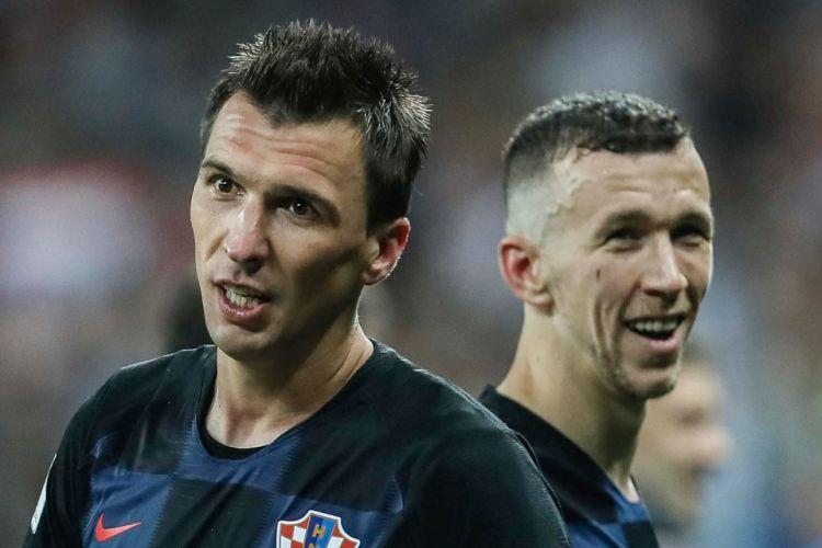Dua pemain timnas Kroasia, Mario Mandzukic dan Ivan Perisic.