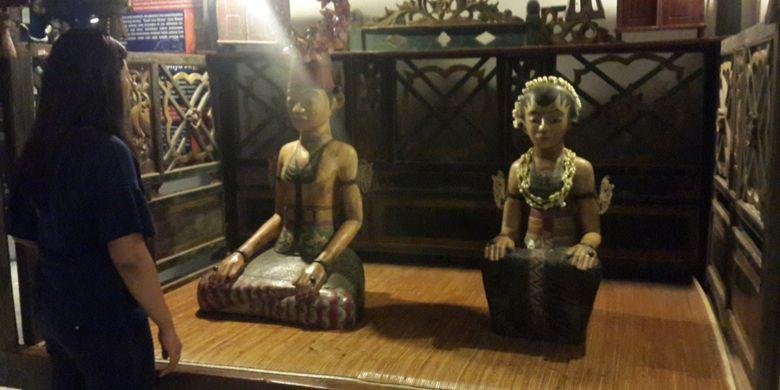 Simbol pernikahan yang ada di Indonesia Heritage Museum (IHM) Kota Batu, Jawa Timur, Senin (1/1/2018).