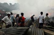 Arus Pendek Listrik, 50 Toko di Pasar Sumbawa Hangus Terbakar