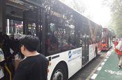 Berkeliling Kawasan GBK dengan Transjakarta Gratis...