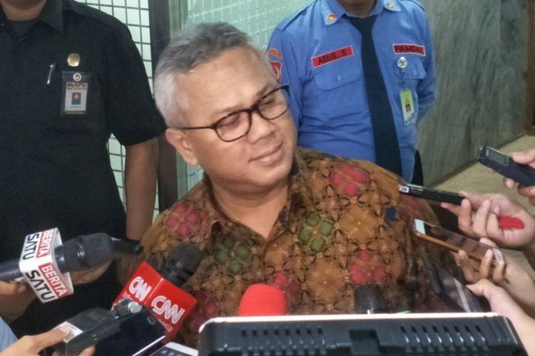 Ketua Komisi Pemilihan Umum (KPU) Arief Budiman saat ditemui di Kompleks Parlemen, Senayan, Jakarta, Senin (3/9/2018). (KOMPAS.com/KRISTIAN ERDIANTO)