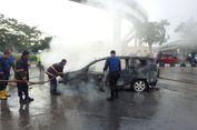 Baru Pulang Servis, Mobil Ini Meledak dan Terbakar di Tengah Jalan