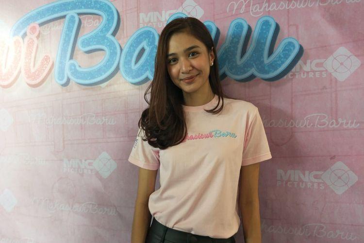 Mikha Tambayong saat ditemui dalam jumpa pers film Mahasiswi Baru di kawasan Kebon Sirih, Gondangdia, Jakarta Pusat, Selasa (23/4/2019).