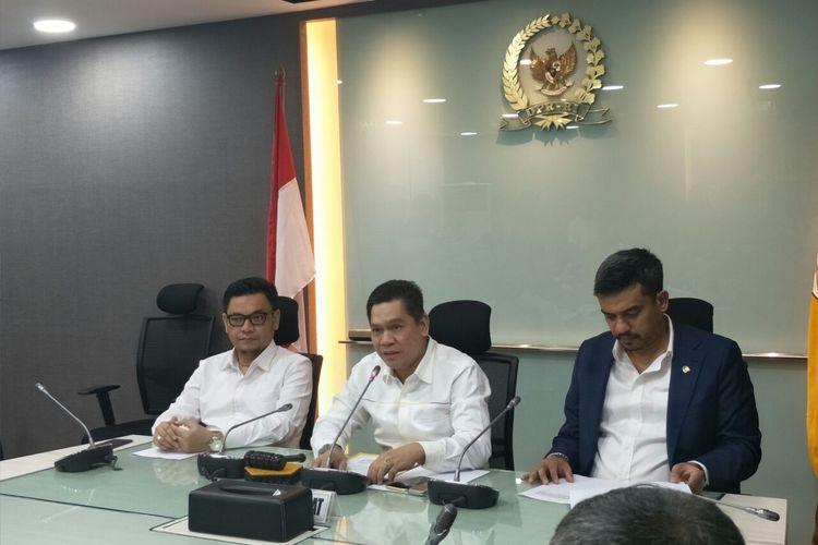 Sekretaris Fraksi Partai Golkar Adies Kadir saat konferensi pers menolak Pansus Pemilu 2019 di Kompleks Parlemen Senayan, Jakarta, Rabu (15/5/2019).