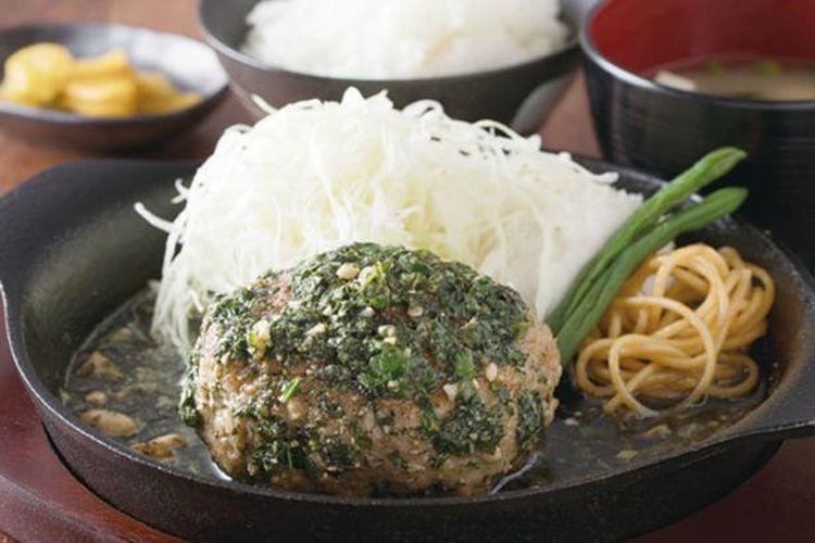 Tonberg Set yang dijual dengan harga 1.210 yen terbuat dari daging babi cincang dan irisan daging babi Tonteki.
