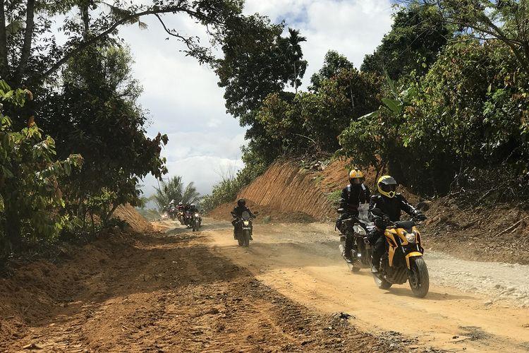 Penjelajahan moge Honda di Pulau Sulawesi.