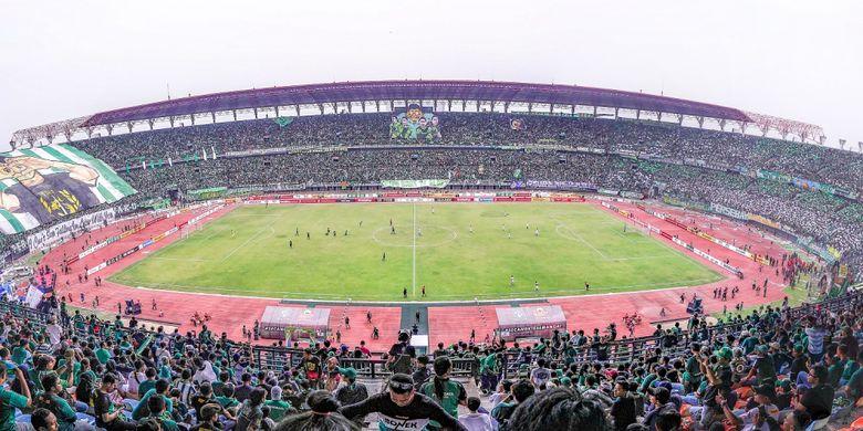 Stadion Gelora Bung Tomo, Surabaya.