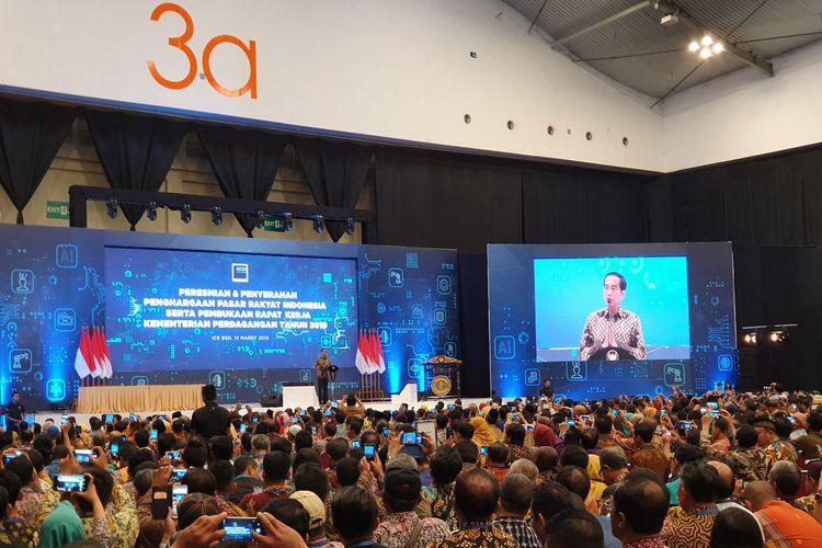 Presiden Joko Widodo membuka Rapat Kerja Kementerian Perdagangan di Indonesia Convention Exhibition (ICE), Tangerang Selatan, Selasa (12/3/2019).