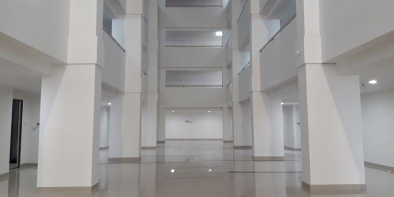 Main foyer Wisma Atlet Kemayoran. Wisma atlet ini dirancang sebagai rumah susun (rusun) yang terdiri dari 10 menara. Hingga Minggu (26/3/2017) progres pembangunan sudah mencapai lebih dari 60 persen.