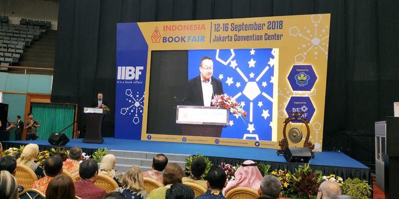 Indonesia International Book Fair (IIBF) 2018 diadakan 12-16 September 2018 di Jakarta Convention Center (JCC), Jakarta.