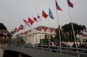 Bendera Peserta Asian Games Dipasang di Tiang Bambu, Basuki Tertawa