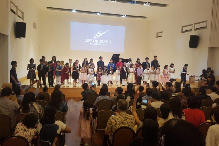 Life On Piano Music Center (LOP) mengadakan konser tahunan yang diberi nama Year End Concert 2018, yang diadakan di Balai Resital Kertanegara Jakarta, pada Minggu (2/12/2018) lalu.
