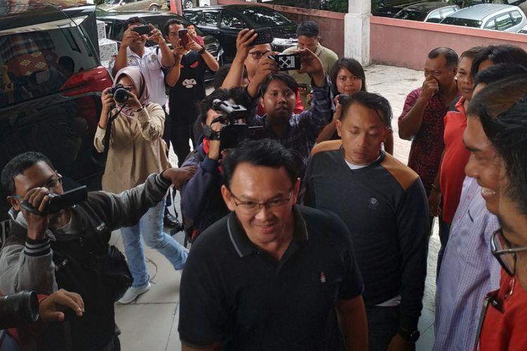 Basuki Tjahya Purnama alias Ahok saat tiba di sekretariat DPD PDI-P Bali pada Jumat (8/2/2019).