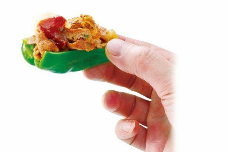 Gabutto! Niku Pi-man (paprika hijau dengan isian) ditawarkan dengan harga 590 yen.
