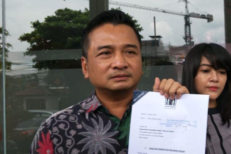 Pegawai kontrak non-aktif Dewan Pengawas (Dewas) BPJS Ketenagakerjaan, RA (27), melayangkan gugatan perdata kepada mantan anggota Dewas BPJS Ketenagakerjaan berinisial SAB di Pengadilan Negeri Jakarta Selatan, Kamis (31/1/2019).