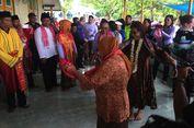 Gelar Adat Negeri Lonthoir Banda untuk Menteri Susi
