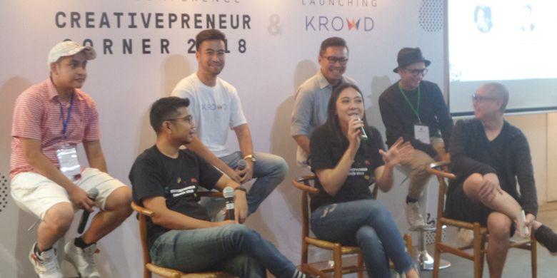 Founder dan CEO Creativepreneur Event Creator Putri Tanjung (tengah) bersama beberapa pembicara yang akan mengisi rangkaian acara Creativepreneur Corner 2018 di tiga kota, saat menggelar konferensi pers di Menara Kibar, Rabu (10/1/2018).