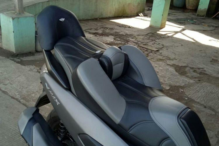 Salah satu model jok modifikasi untuk Yamaha NMAX dan XMAX.