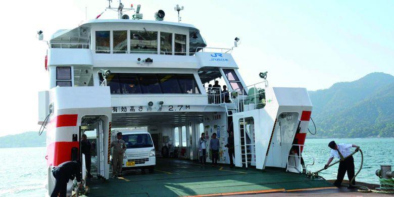 kapal Feri ke Pulau Miyajima.